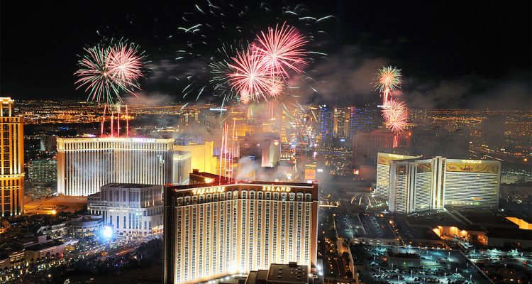 July 4th, 2017 fireworks, parties, and events in Las Vegas. | 750 x 400 jpeg 167kB